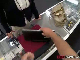 Big süýji emjekler woman screwed up by pawnkeeper