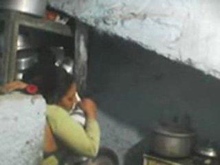 Nākamais durvis indieši bhabhi sekss