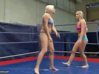 lesbiete, lesbiešu cīņa, muffdiving