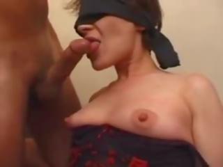 媽媽 gets dressed cuffed & 肛門, 免費 媽媽 gets 肛門 色情 視頻