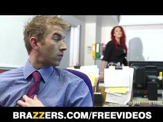 的brazzers, 英国的, 红发