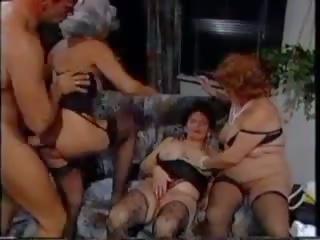 Alemão vovó grupo: meias longas porno vídeo ae