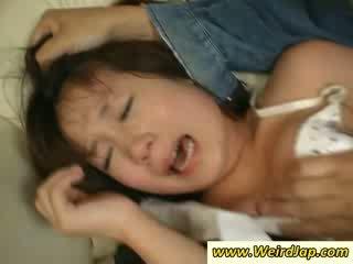 Étroit bodied asiatique maids gets puni