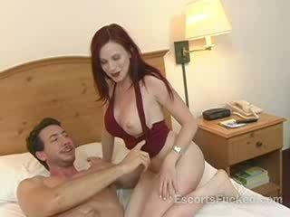 โสเภณี sucks ใหญ่ boner ก่อนที่ เพศ ด้วย a guy ใน a โรงแรม