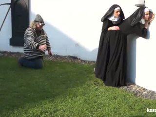 Catholic nuns e il mostro! pazzo mostro e vaginas!