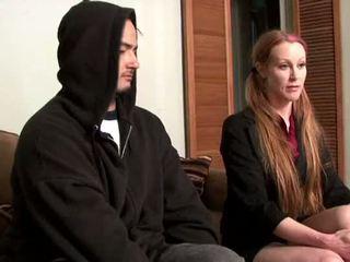 Darby daniels-parole petugas gets knocked di luar oleh parolee