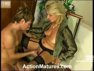 Agatha rolf зіпсована мама в дію