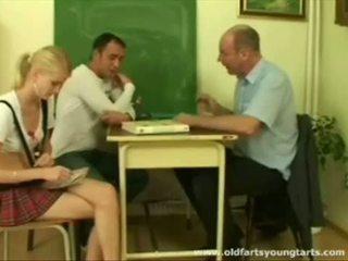 Pack no porno: jāšanās par higher grades