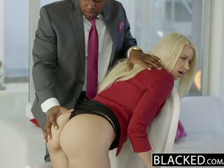 Blacked bedrijf blondine anikka albrite bips geneukt door een bbc