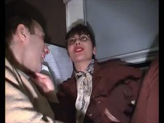 Sophia trưởng thành poilu sodomise dans le xe lửa