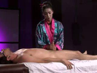 সুন্দরী এশিয়ান geisha (full মালিশ সঙ্গে পায়ের কাজ)