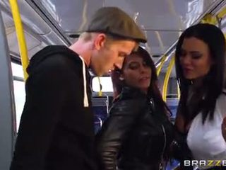 حافلة قرع إلى جنسي الفتيات madison ivy و ja