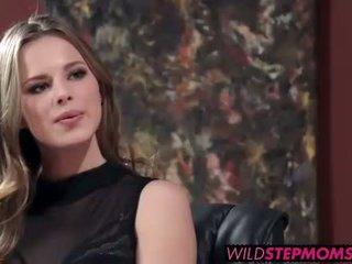 Abbey brooks accompanies su stepdaughter a un trabajo entrevista