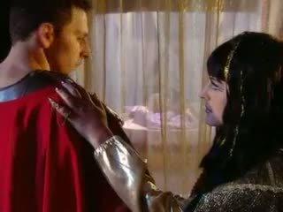 Cleopatra goes গ্রীক শৈলী