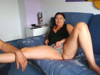 Mini etek küçücük göğüsler nemfomanyak gösteren seçki üzerinde büyükbaba, porn f7