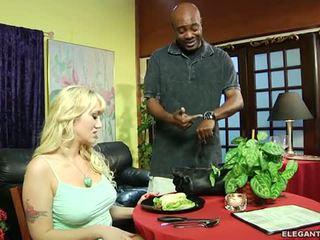 Alana evans anally demanding клієнт