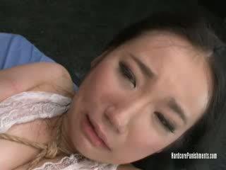 Momo tied och tormented