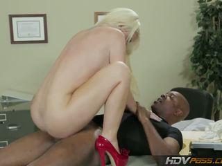Hdvpass كبير titty ممرضة alexis ford rides قضيب