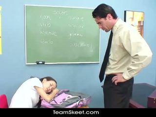 Skolotāja