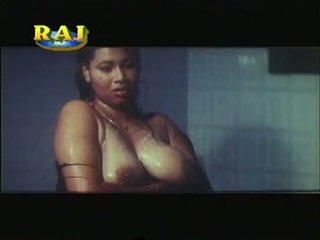 Mallu erotik adegan kompilasi [courtesy:http://spicymasalavideos.blogspot.com]