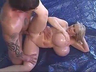 pornohvězdami, naolejovaný, mega big tits