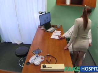 Fakehospital médico gets sexy patients cona molhada