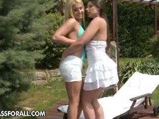 Lezbo Honeys: Hot Lesbians threesome outdoor.