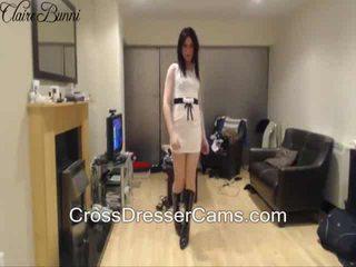 bruneta, crossdresser, sólo