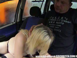Jauns matainas grūtniece kuce fucks par sīknauda