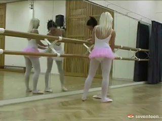 Lesbie ballet meitenes