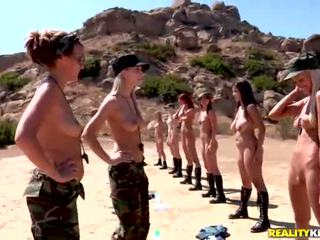 Breanne benson и тя 10 gfs в лесбийки армия