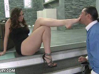 Këmbë femme fatale mov