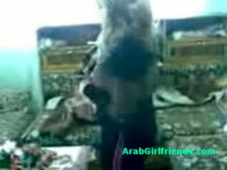 Rinkinys apie mėgėjiškas arabs getting išdykęs apie namų vaizdeliai