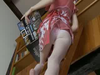 Kurus sweetie opening dia berbulu alat kemaluan wanita