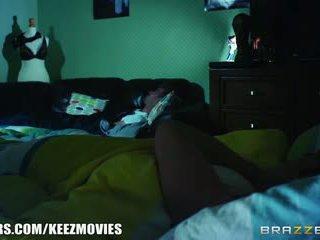 Brazzers - seksuālā karlie montana gets ko viņa wants