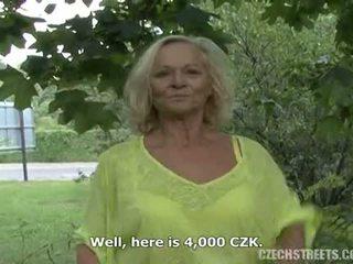 Čehi pieauguša ārā