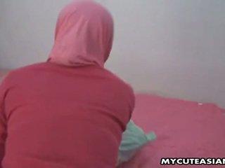 Ładne arabskie laska being fucked tak ciężko w jej cipka.