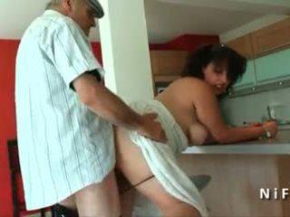 Paffuto giovane francese arab scopata da vecchio uomo papy voyeur