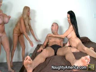 Echo valley en kayla kleevage en sofia staks porno