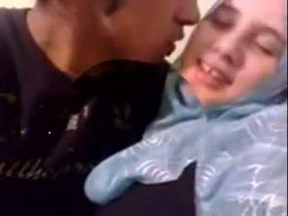 Аматьори dubai възбуден hijab момиче прецака при вкъщи - desiscandal.xyz