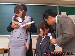 Junna aoki と erika kirihara hawt 美しい