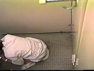 Japans verpleegster betrapt masturberen in toilet - hid