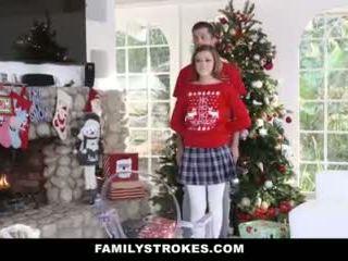 Familystrokes - 他妈的 我的 step-sis 中 holiday 圣诞 pics 视频