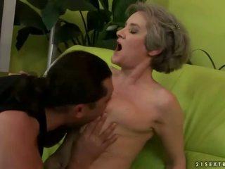 하드 코어 섹스, 할머니, 할머니