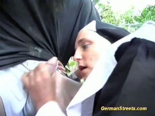 Traviesa alemana monja loves polla