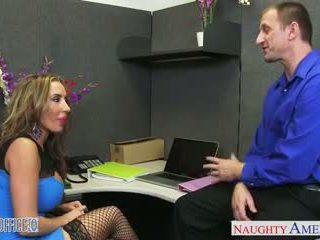 tattoos, gezichtsbehandelingen, lingerie