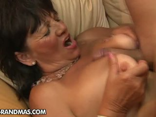 vecenīte, matains pussy, granny sex