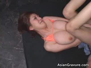 Liels bumbulīši reāls aziāti ginger getting viņai