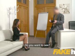 Fake agent spunk loving tattooed spāņi skaistule claudia bavel uz sekss kastings