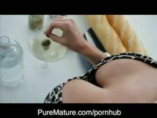 Puremature martini beurt op met milf veronica avluv
